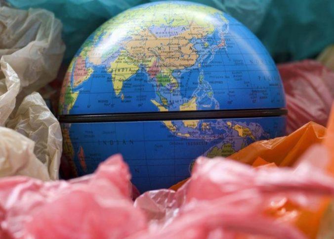 zemlya v plastike